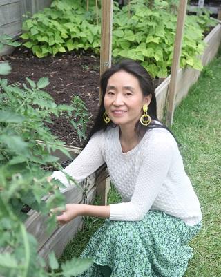 Jin R Zhang Chopsticktherapy.com creator in the garden
