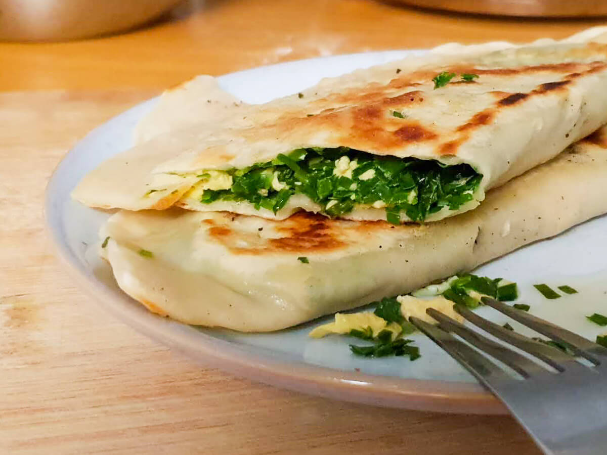 Chinese chive and egg pockets